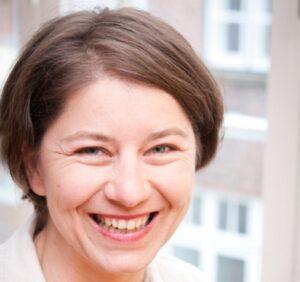 Helga Reihl Diplom-Soazialpädagogin, systemische Beraterin und Drum Circle Facilitator