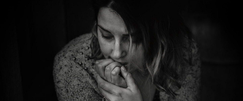betrubt-depression-dunkel-736843 - Foto von Kat Jayne von Pexels
